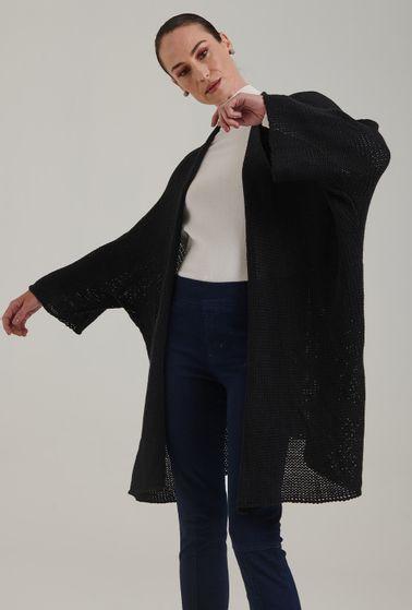 Casaco-em-tricot-amplo-e-aberto-Acores-na-cor-Preta-Detalhe-I