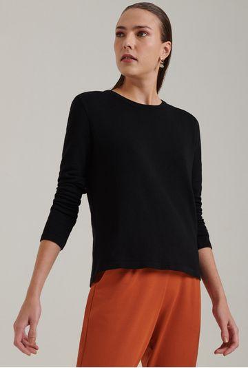Blusa-em-tricot-com-manga-longa-lausanne-estilo-sueter-preta-frente