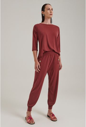 Calca-Moletom-Lovania-Modelagem-Cenoura-Vermelho-Queimado-Frente