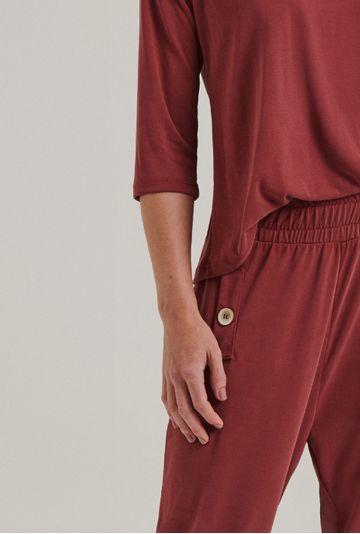 Calca-Moletom-Lovania-Modelagem-Cenoura-Vermelho-Queimado-Detalhe