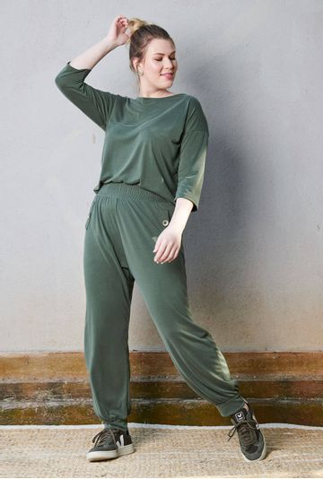 Lookbook-Calca-Lovania-Verde-em-Modal--mybasic