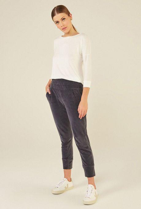 Blusa-Limoges-em-tecido-premium-com-meia-manga-e-modelagem-alongada-off-white-frente