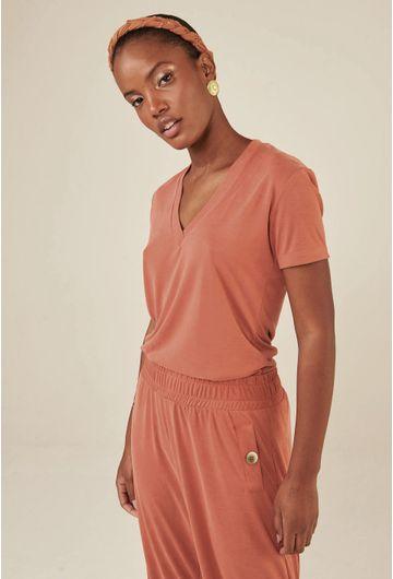 Blusa-Decote-V-em-Modal-Zalipie-Pessego-detalhe