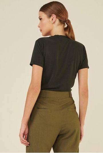 Blusa-Decote-V-em-Modal-Zalipie-Preta-costas