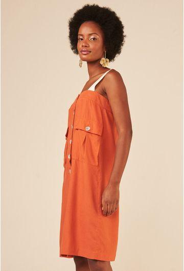 Vestido-Terracota-Upcycling-com-botoes-madreperola-em-linho-detalhe