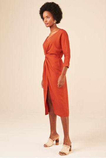 Vestido-Midi-em-Lyocell-Marselha-com-Fenda-Telha-detalhe
