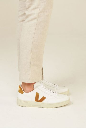 Tenis-V12-Leather-Extra-White-Camel-Vert-Shoes-principal