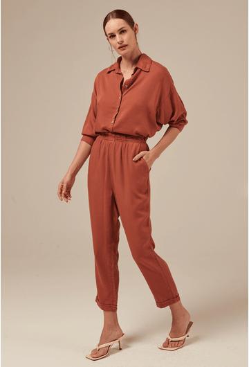 Camisa-Lacombe-em-Tencel-Manga-Morcego-Goiaba-secundaria