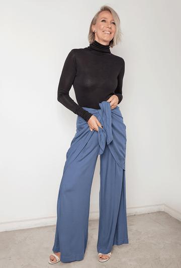 Calca-Baltimore-em-Viscose-Pantalona-Azul-detalhe