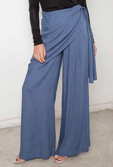 Calca-Baltimore-em-Viscose-Pantalona-Azul-detalhe-2