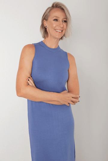 Vestido-Ballina-em-Tricot-Midi-com-Fendas-Azul-detalhe
